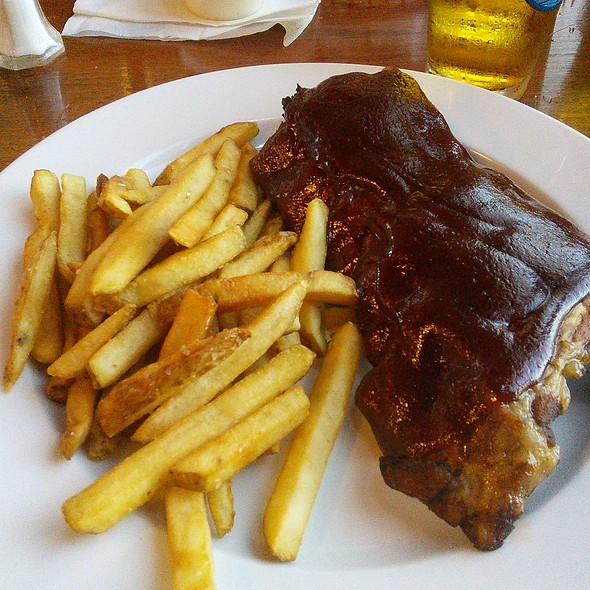 Ribs and Fries @ Rookies Sports Bar And Grill