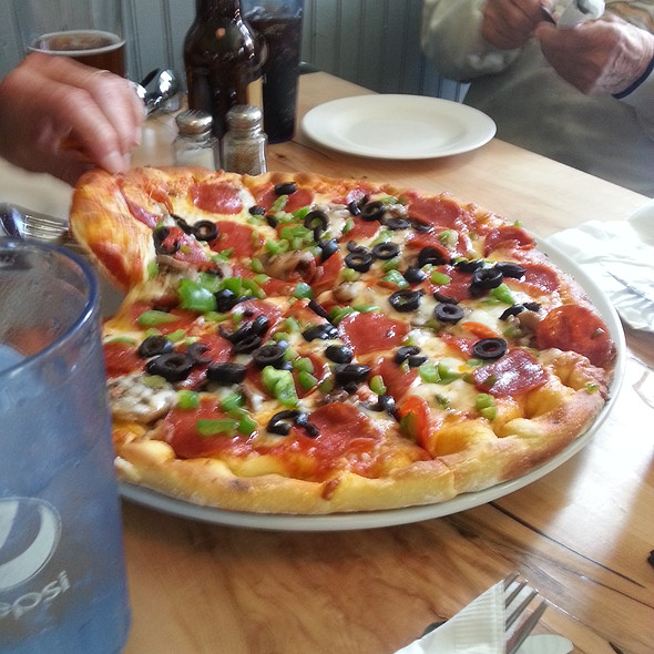 Supreme Pizza @ 51 Park Restaurant & Tavern