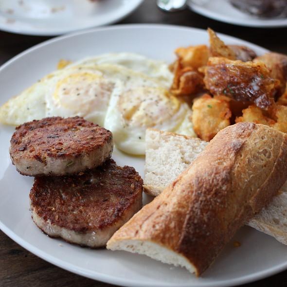 Breakfast @ Wildflour Cafe + Bakery