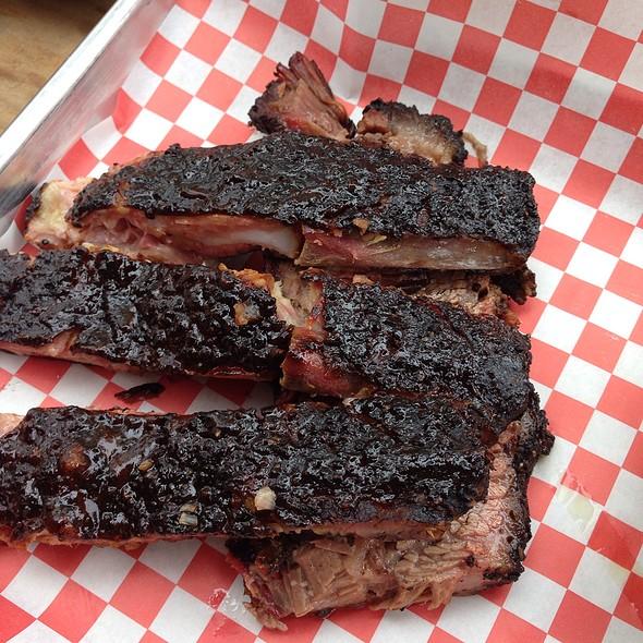 Bbq Plate -Pork Ribs & Beef Brisket @ Pecan Lodge
