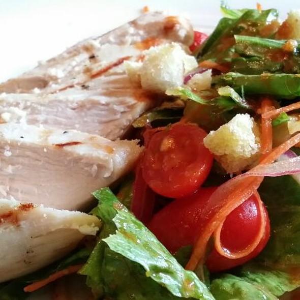 Tom Yum Salad With Grilled Chicken - Linda Modern Thai, Toronto, ON