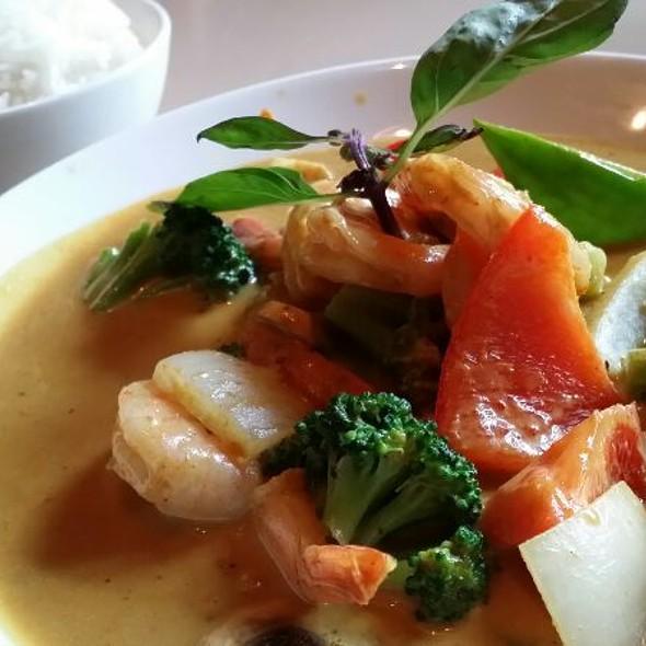 Shrimp Curry - Linda Modern Thai, Toronto, ON