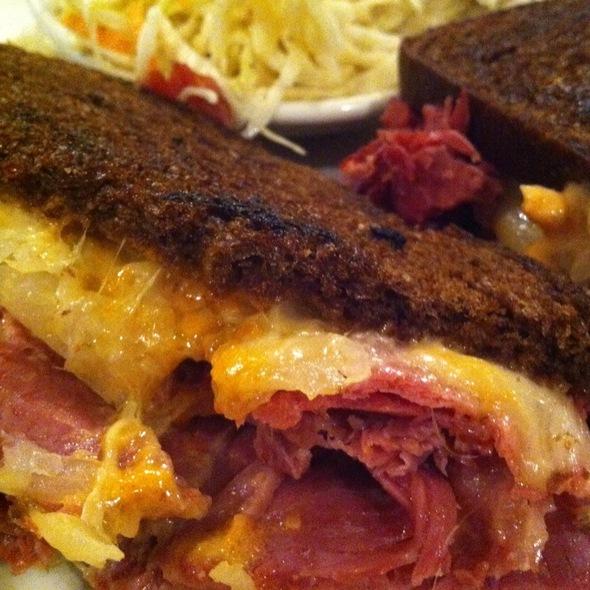 Ruben Pastrami Sandwich @ Zaftigs Delicatessen