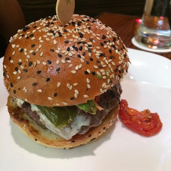 Hell's Kitchen Burger @ Gordon Ramsay BurGR