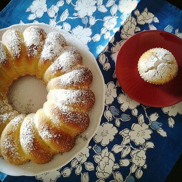 Italian Pastries @ Donydea