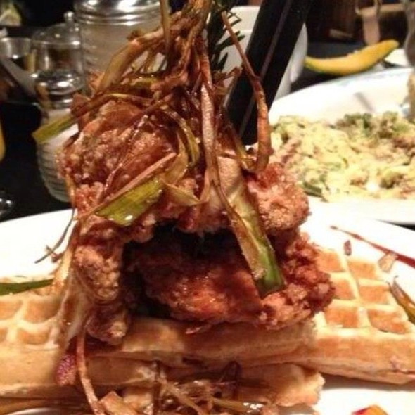Chicken and Waffles @ Hash House A Go Go