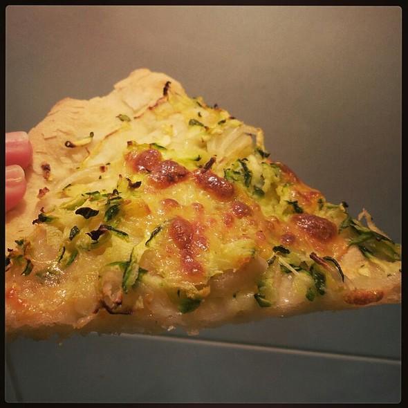 Pizza Scamorza Affumicata E Zucchine @ Ciccina
