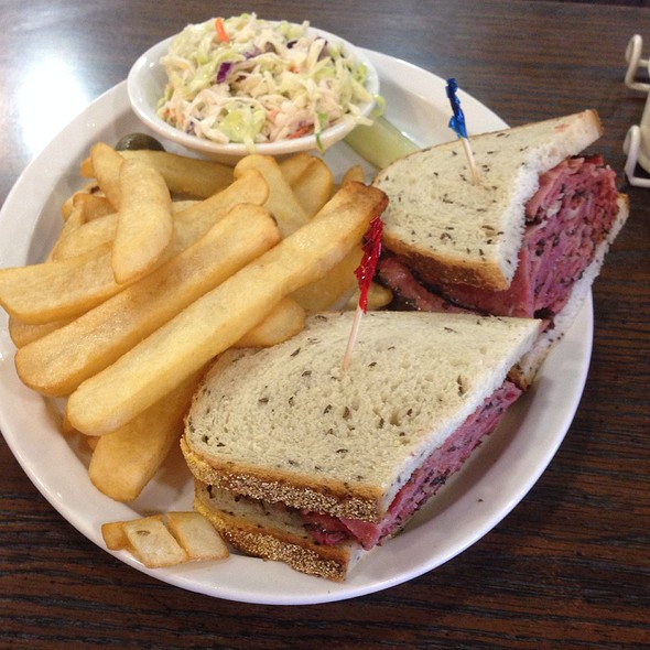 wednesday special - Izzy's Deli, Santa Monica, CA