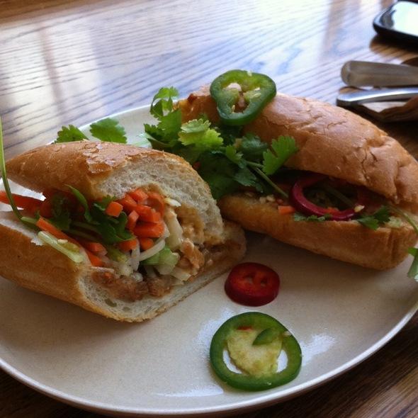 Belly Bun Sandwich @ Bun Mee