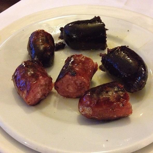 Chorizos y morcilla  @ El Novillo Precoz