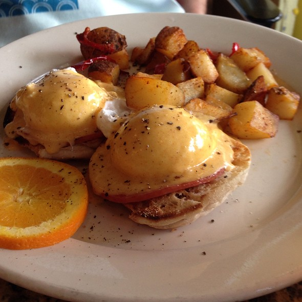 Eggs Benedict - Sullivan Bistro, New York, NY