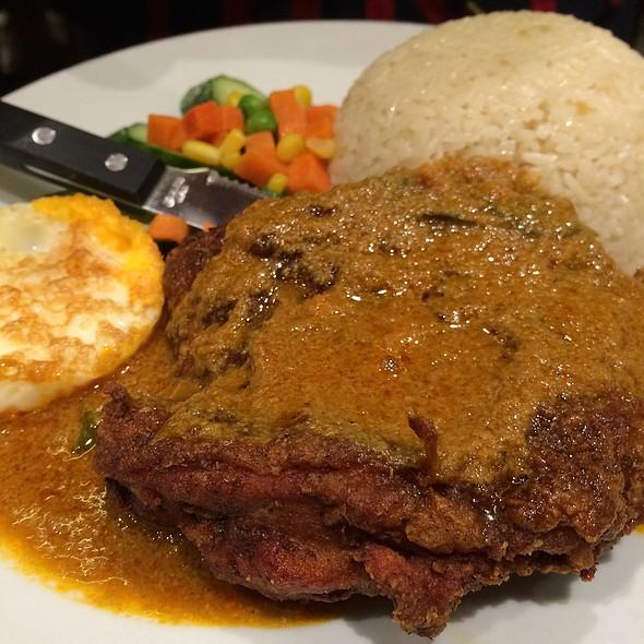 Hainan Curry Chicken Chop @ PappaRich Broadway