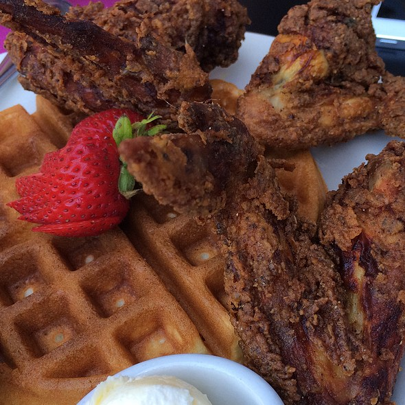 Chick N' Waffle @ The Kingfish Cafe