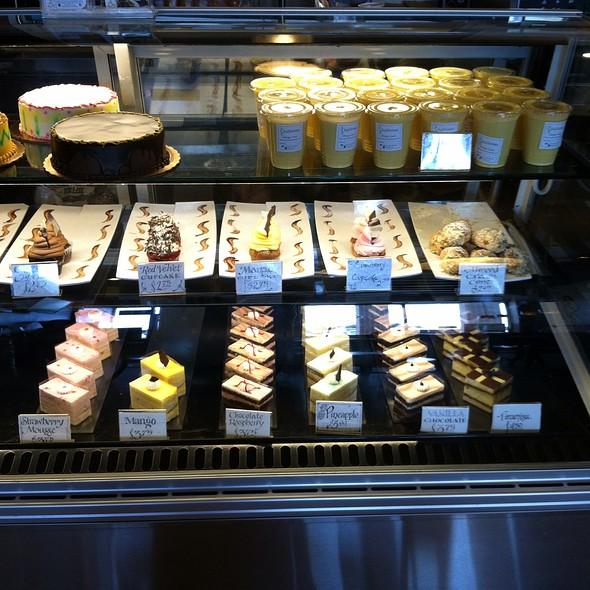 Case3 @ IndAroma Restaurant, Bakery & Catering