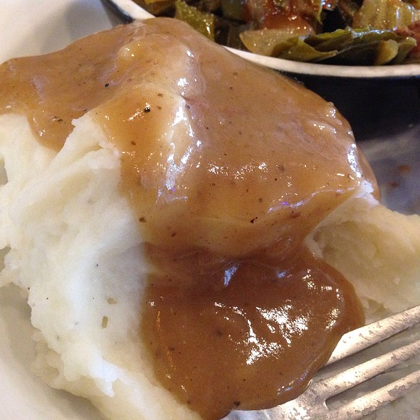 Housemade Mashed Potatoes And Gravy @ Southern Fresh