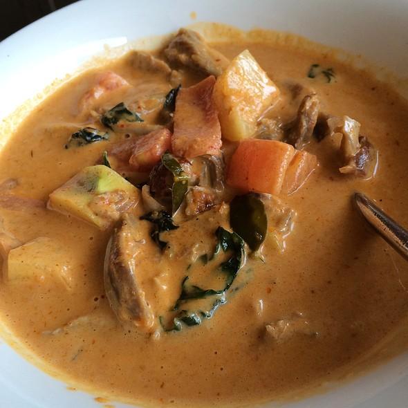 Curry Duck @ Thai Bistro