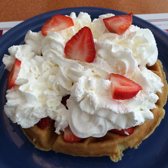 Strawberry Waffle @ Sunrise Cafe