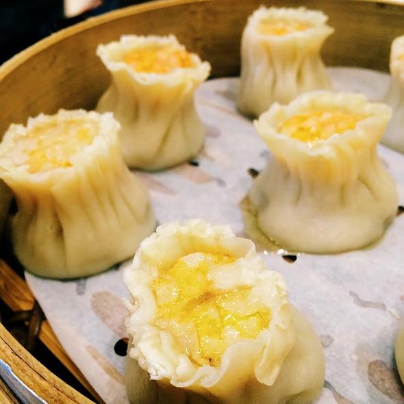 Shrimp And Pork Shao Mai @ 鹿港小鎮 Lugang Café