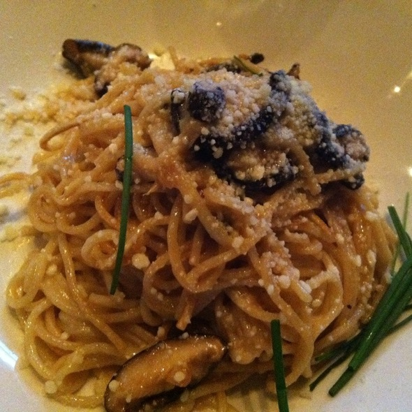 Chinese Garlic Noodles @ Yard House Los Angeles