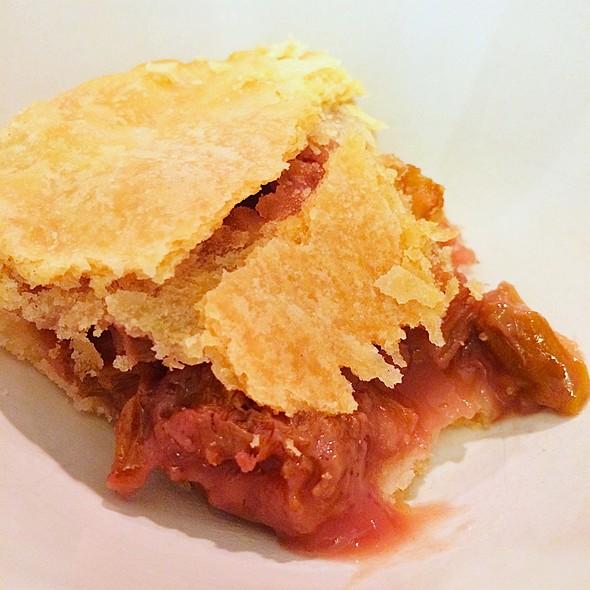 Strawberry Rhubarb Pie @ Mom's Apple Pie