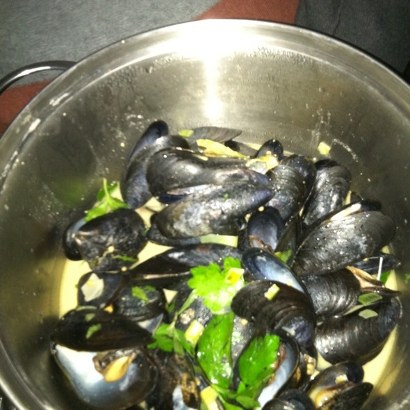 Steamed Mussels @ Thistle Hill Tavern