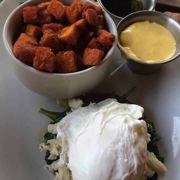 Eggsbenedict With Blue Crab - Monarch @ Hotel Zaza, Houston, TX