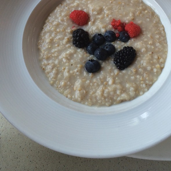 Oatmeal @ Monarch Bar And Lounge Hotel Zaza