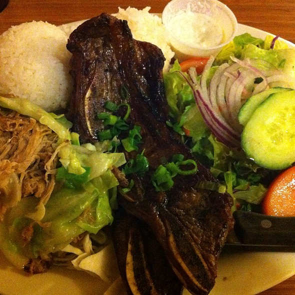 Kalua Pig With Cabbage & Kalbi Plate