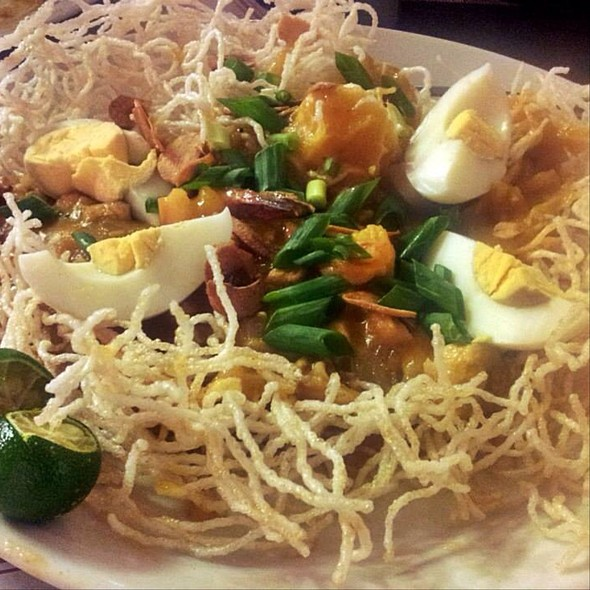 Crispy Palabok @ Punot Restaurant