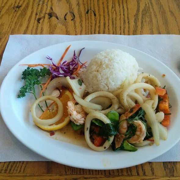 Squid and Shrimp @ Thai Cuisine Express