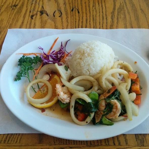 Squid and Shrimp @ Thai Cuisine Express