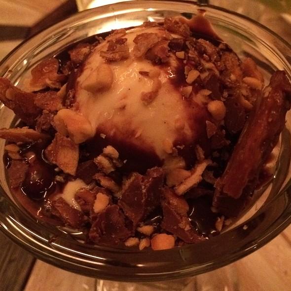 Peanut Butter Chocolate Pretzel Sundae @ Telepan Local