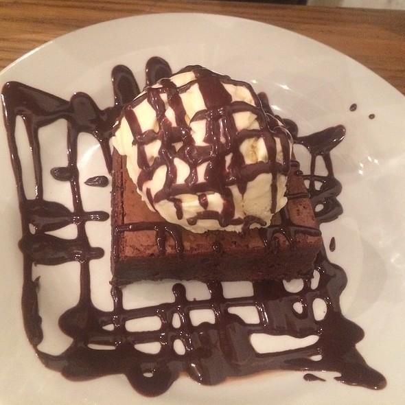 Chocolate Brownie @ Byron Proper Hamburgers
