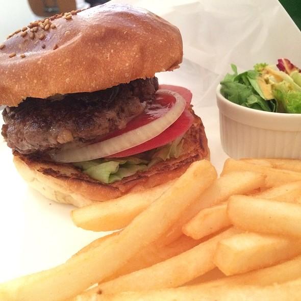 Cherries Burger @ Burger Mania Ebisu