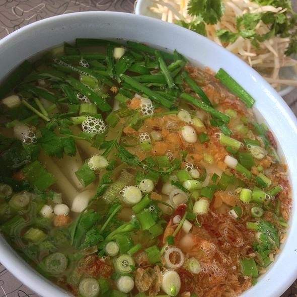 Hu Tieu Dai Do Bien @ Ba Le Bakery & Restaurant