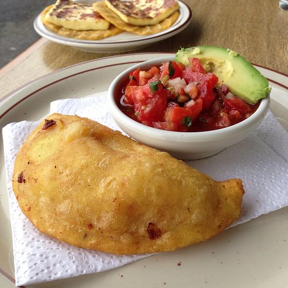 Empanada De Queso @ El Rancho Del Sapito