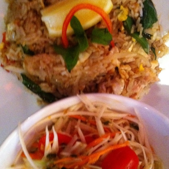 Silom Basil Chicken With Papaya Salad @ Restaurant i