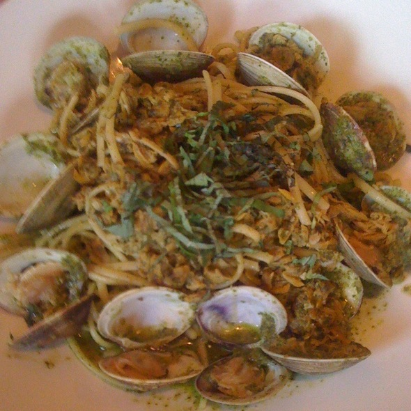 Linguini with Clams - Trevi's Restaurant - Omni Mandalay, Irving, TX
