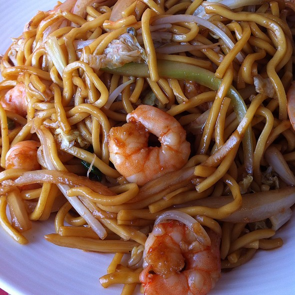Shrimp Lo Mein @ Capital Beer