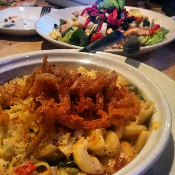 Cajun Mac n' Cheese @ Stacked - Food Well Built
