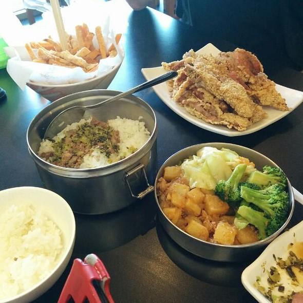 Lunch @ Class 302 Taiwanese Cuisine