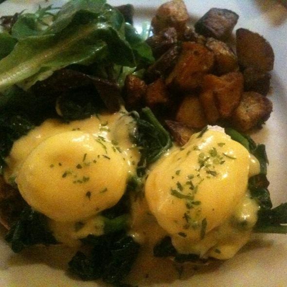 Eggs Florentine @ Bar Tabac