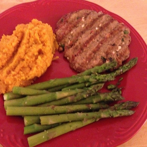 Fat Free Greek Turkey Burger With Mashed Yams & Asparagus