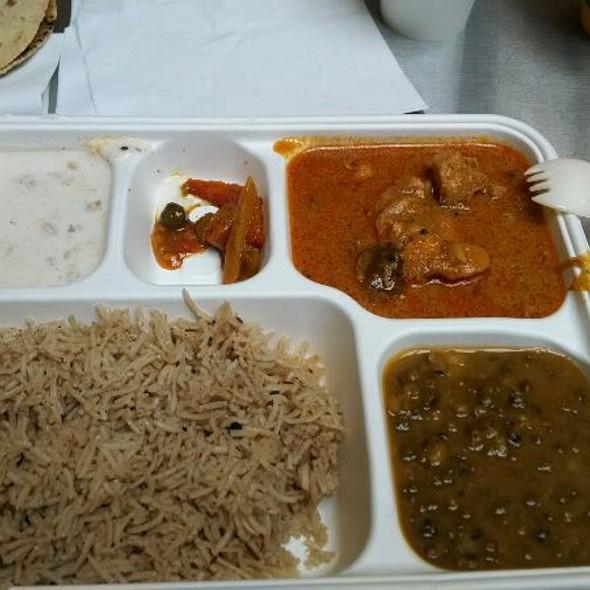 Chicken Curry (madras) @ Vik's Chaat Corner