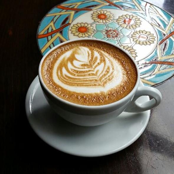 Honey Latte @ Urth Caffe