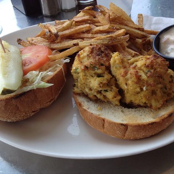 Maryland Jumbo Lump Crab Cake Sandwich - Tir Na Nog, Baltimore, MD