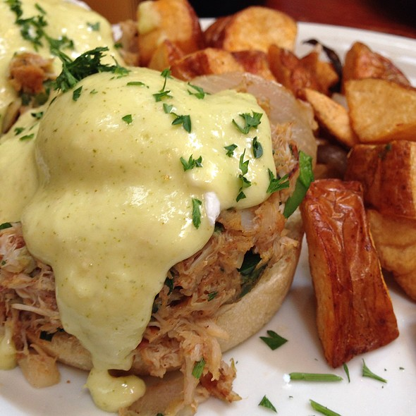 Pacific Crab Benedict @ Tower Cafe