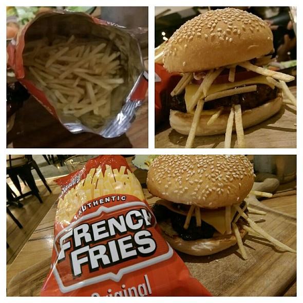 French Fry Burger @ Ribs & Burgers