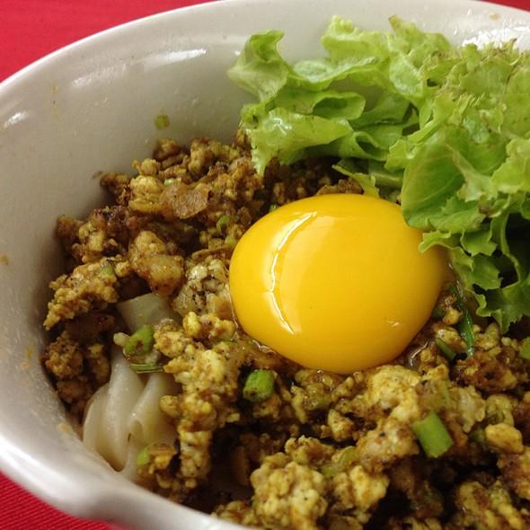 ก๋วยเตี๋ยวหมูสับไข่แดง @ เลี่ยวเลี่ยงเซ้ง | Lieo Lieng Seng