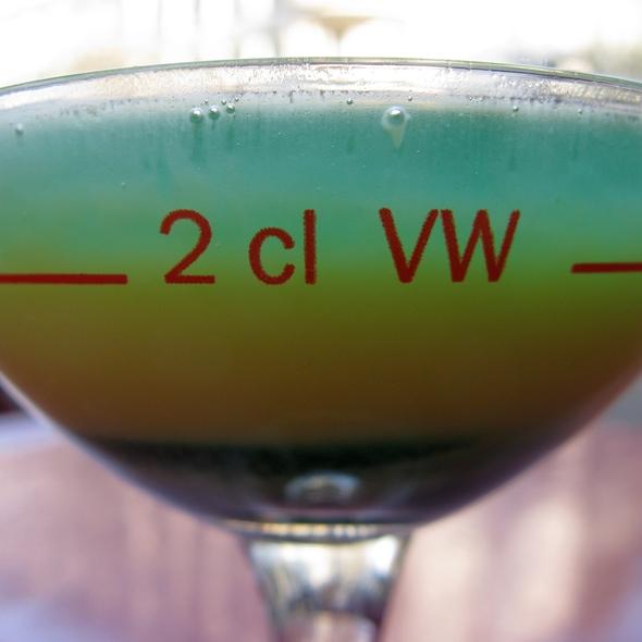 Escorial / Egg Liquor / Crème de Menthe @ Trotzdem